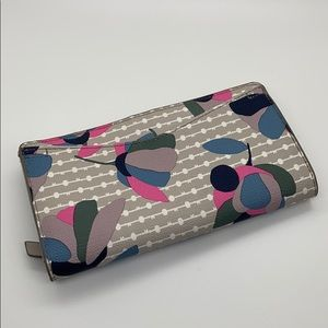 Floral gray fossil wallet